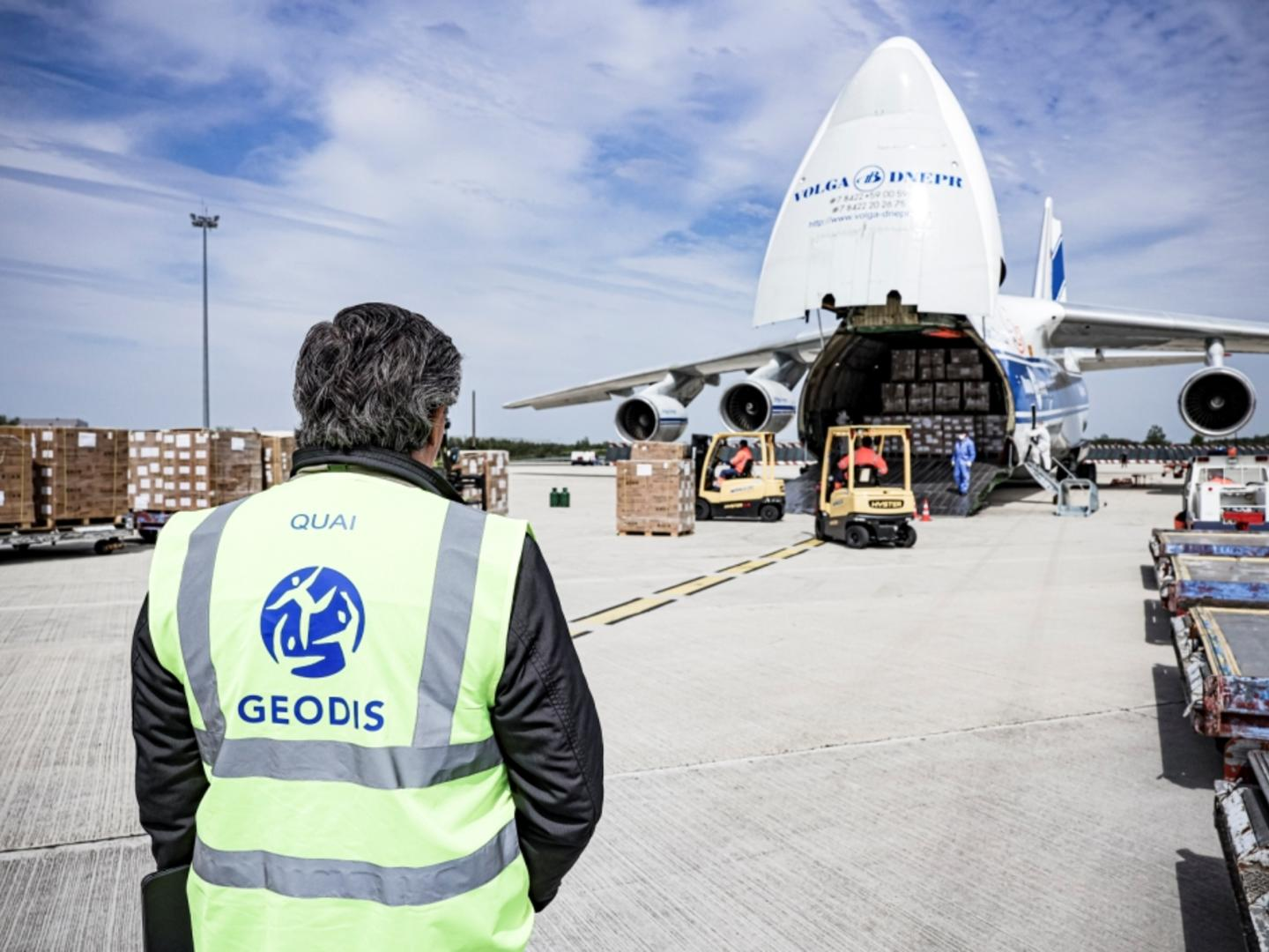 Volga-Dnepr Partnered with GEODIS to Complete Mega Project of 48 x AN-124 flights Delivering Medical Supplies to France