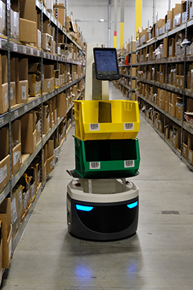 Four Benefits of Robots in Your Warehouse | GEODIS