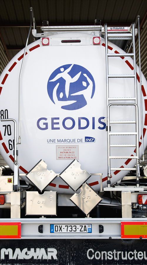 Back of a GEODIS truck