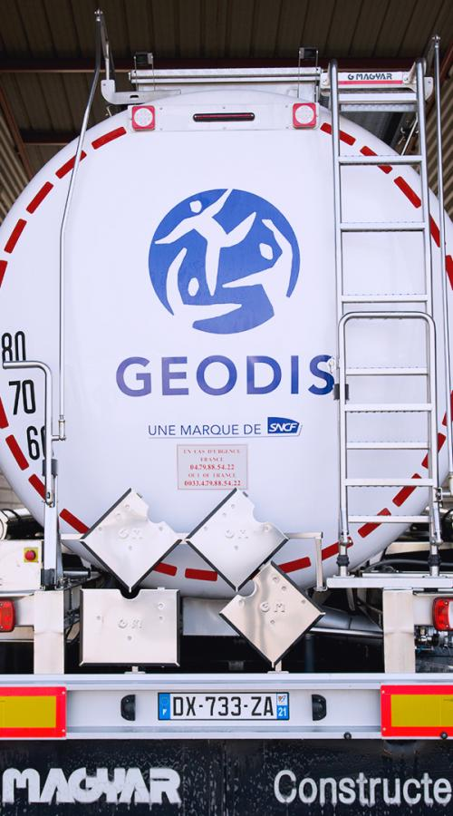Back on a specialized GEODIS truck